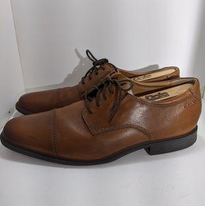 Clarks Cushion with OrthoLite Cap-Toe Dress Shoe